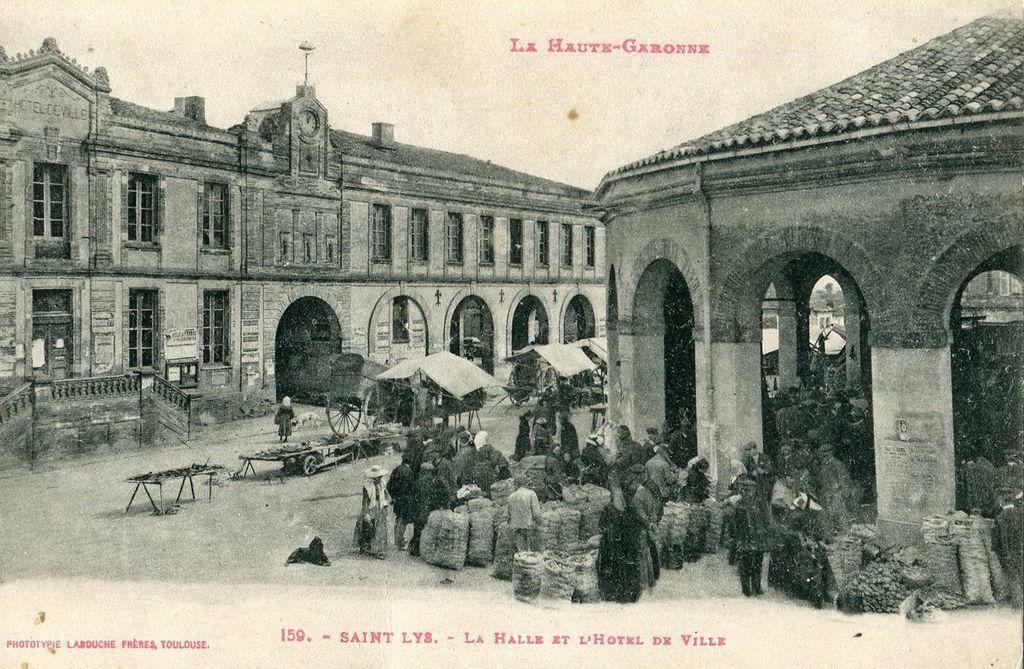 La photo ici est une vue ancienne, une scène figée, à Saint-Lys, en Haute-Garonne.