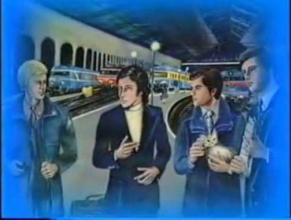 Image : dessin de Roger Roux. En gare Saint-Charles de Marseille, en décembre 1967, JC Pantel attend un train en partance pour Toulon... Lorsque 3 personnages de l'Ordination Magnétique (OM) issus des Autres Dimensions, le contactent...