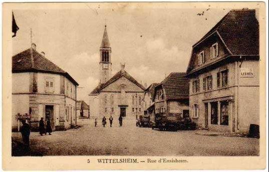 La photo ici est une vue ancienne, une scène figée, à Wittelsheim, dans le Haut-Rhin.