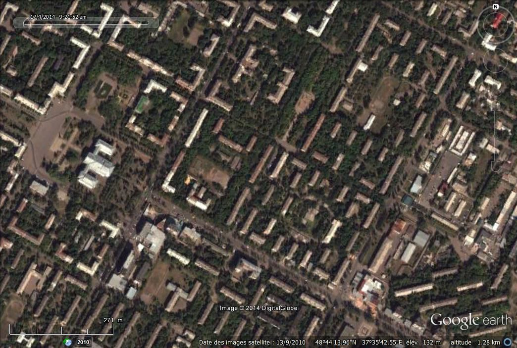 Habitat du Donbass sur Google earth : 1. collectif à Kramatorsk,  2. à Krasnyi Loutch