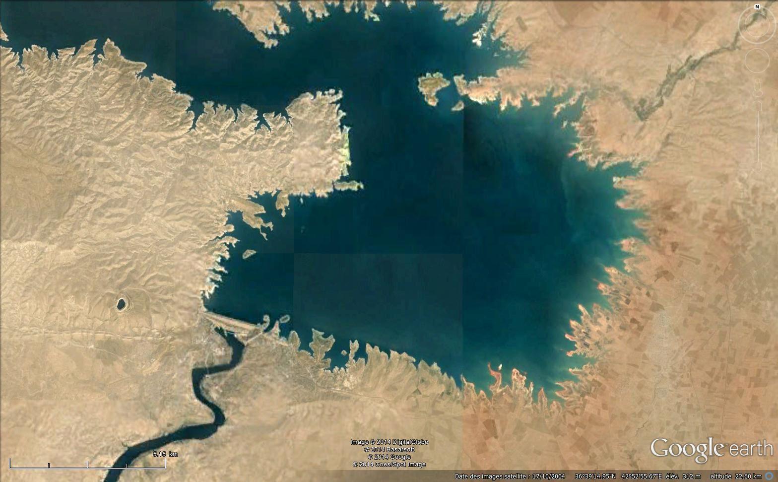 Le barrage de Mossoul sur le Tigre (Google earth, 2004)