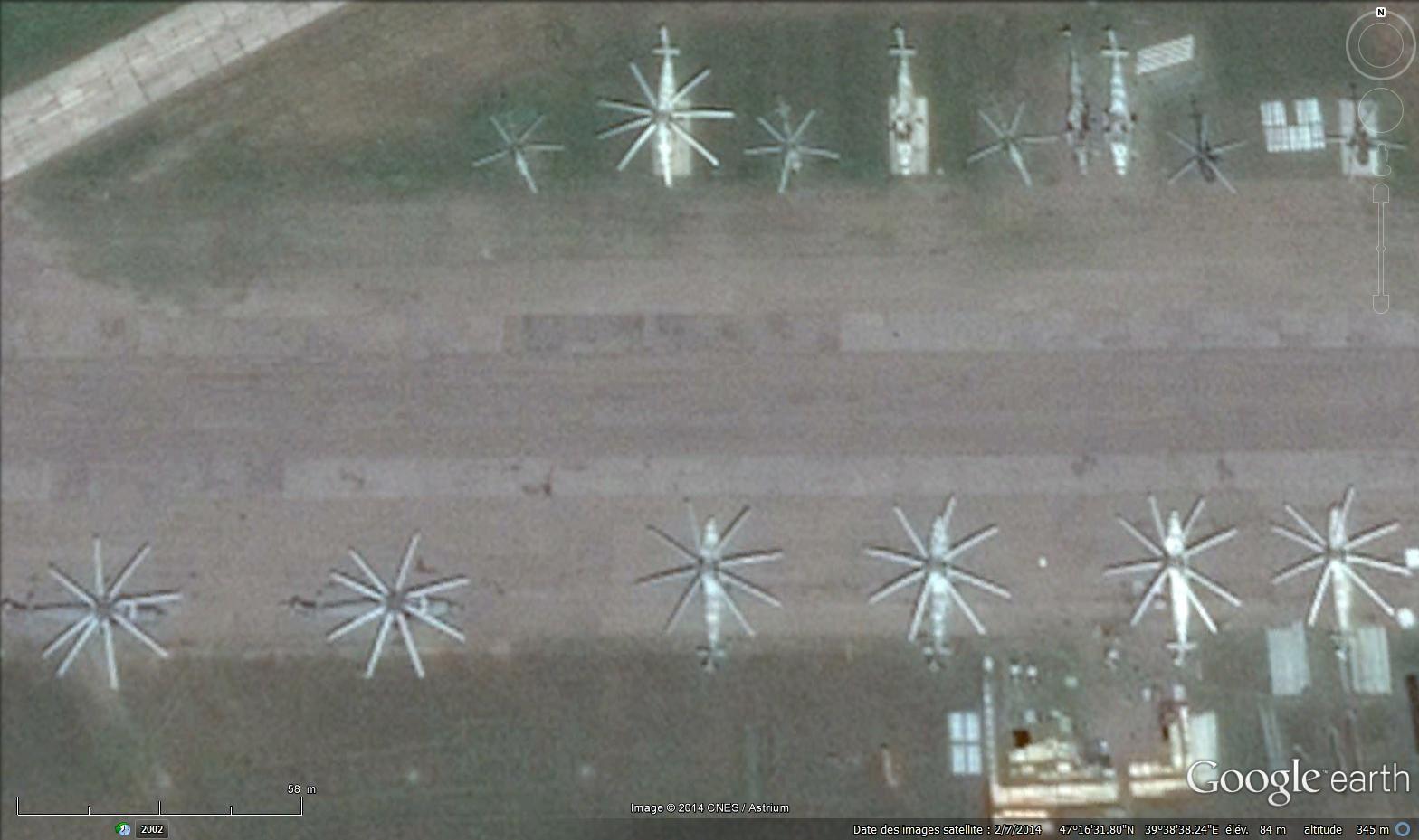 Toute proche, la Russie montre ses muscles (Google earth) : 1. Taganrog juillet 2012, 2. Rostov, juillet 2014.