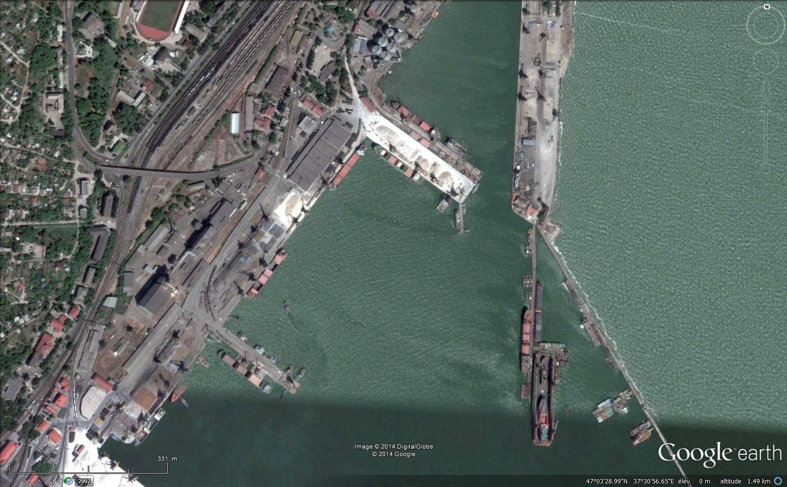 Images satellitaires via Google earth : 1. Le centre, 2. Le complexe sidérurgique, 3. Le port.