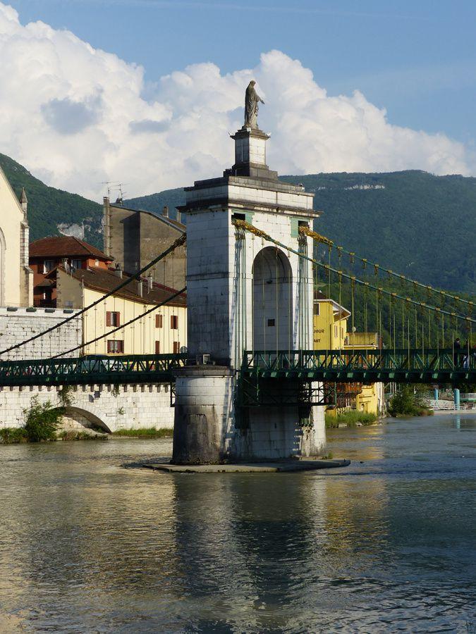 Seyssel, villes-frontière : un pont qui sépare