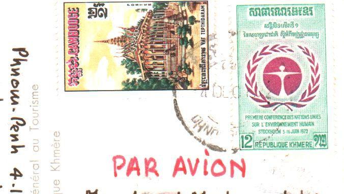 Carte postale Souvenir de Phnom Penh. Editions P-C. à Paris. Timbres de la République Khmère.