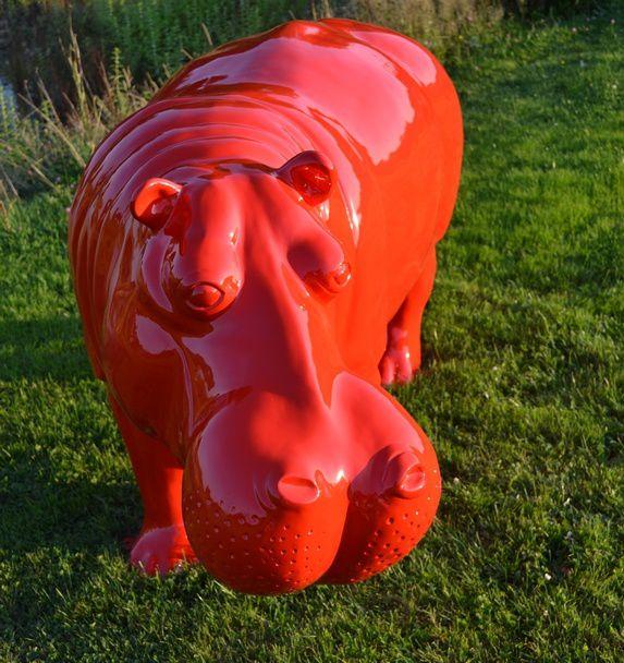 Animaux peints en résine de couleur rouge !!!!!