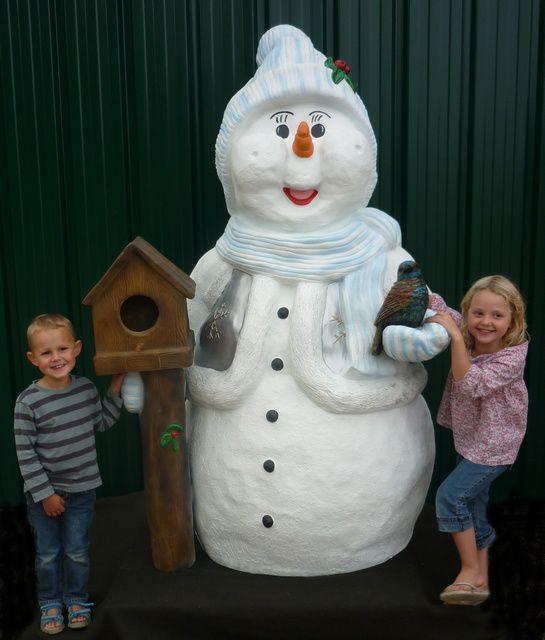 Tous nos articles de Noël sont sur notre site internet : www.nlcdeco.com