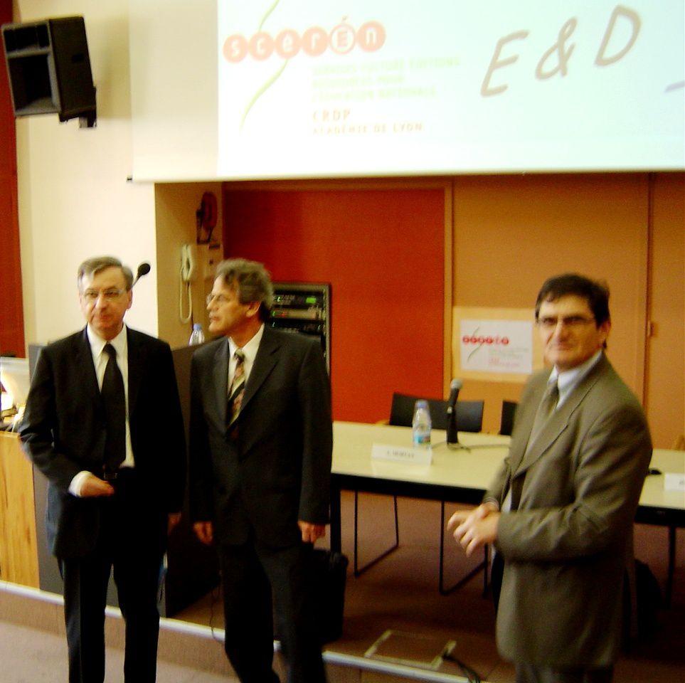 1er avril 2005, le Recteur de Lyon, Alain Morvan, est le 3e à gauche.