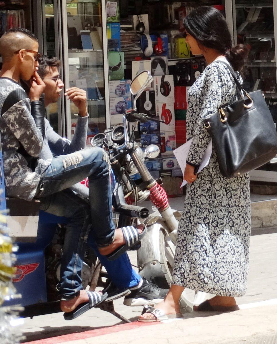 AZROU 2017 : passant-e-s, souk...