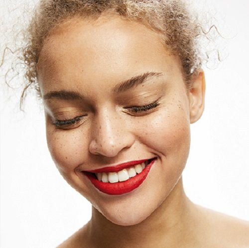 Bershka lance sa ligne de maquillage (bis)