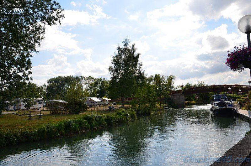 Stenay 55 Meuse  (voyages en camping-car)