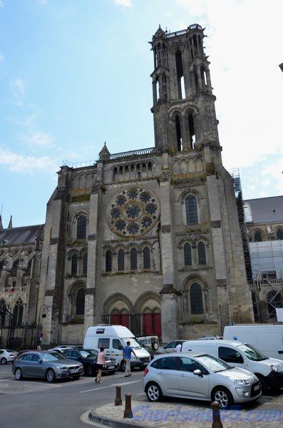 Laon, la cathédrale  (Voyages en camping-car)