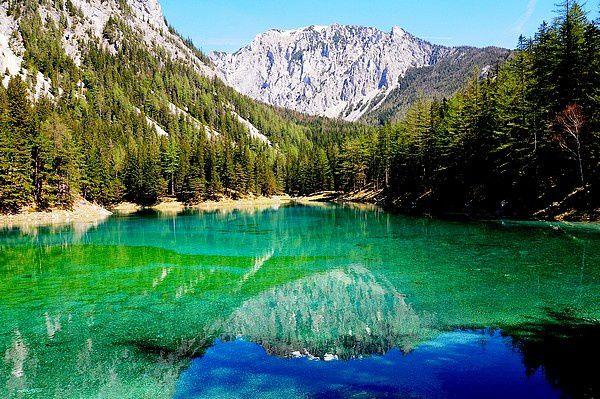 Découverte : lac vert en Autriche