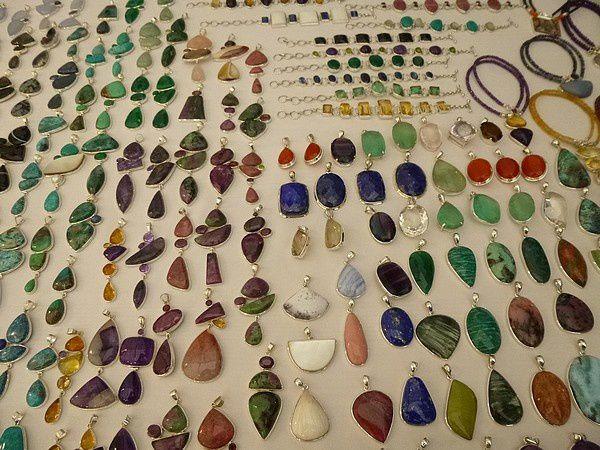 Jacques : SMAM, pierres et bijoux
