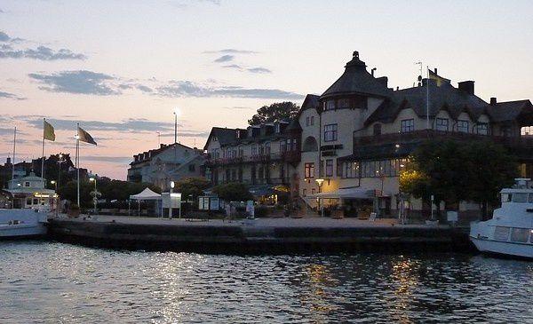 Wolff : Stockholm et l'ile de Moja