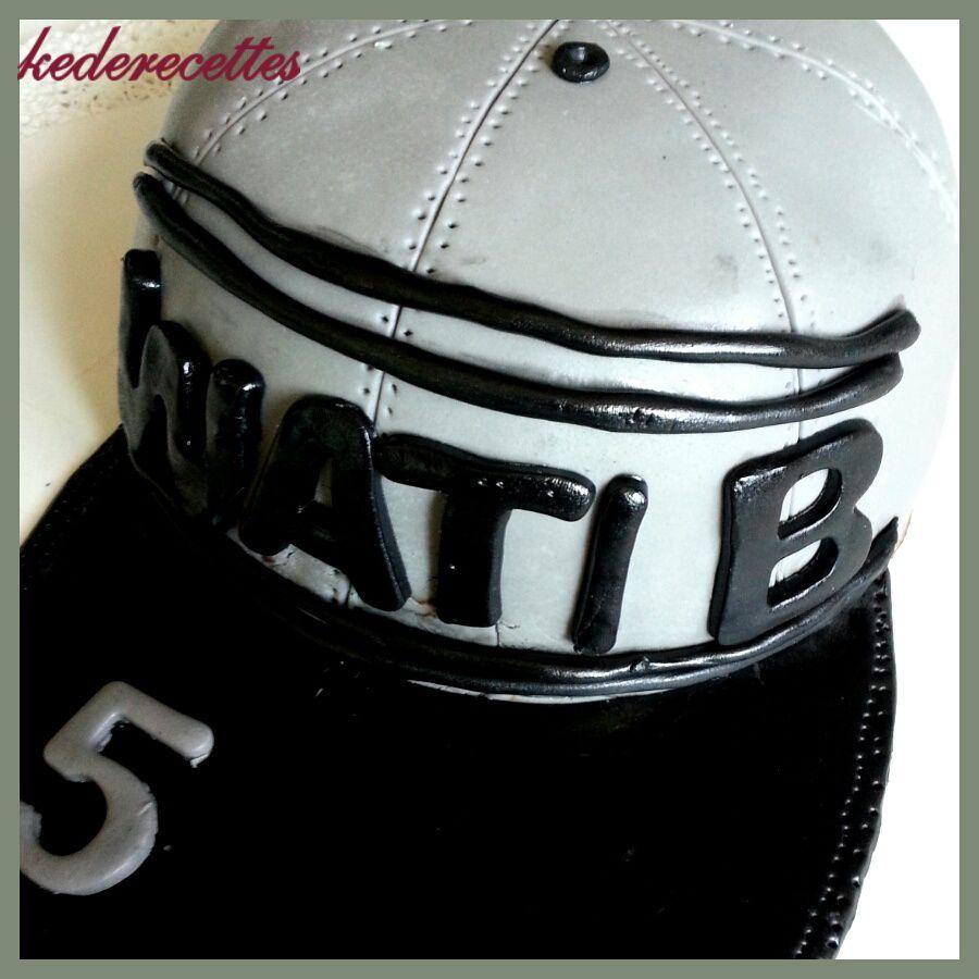 Gâteau &quot&#x3B;casquette Wati B&quot&#x3B;
