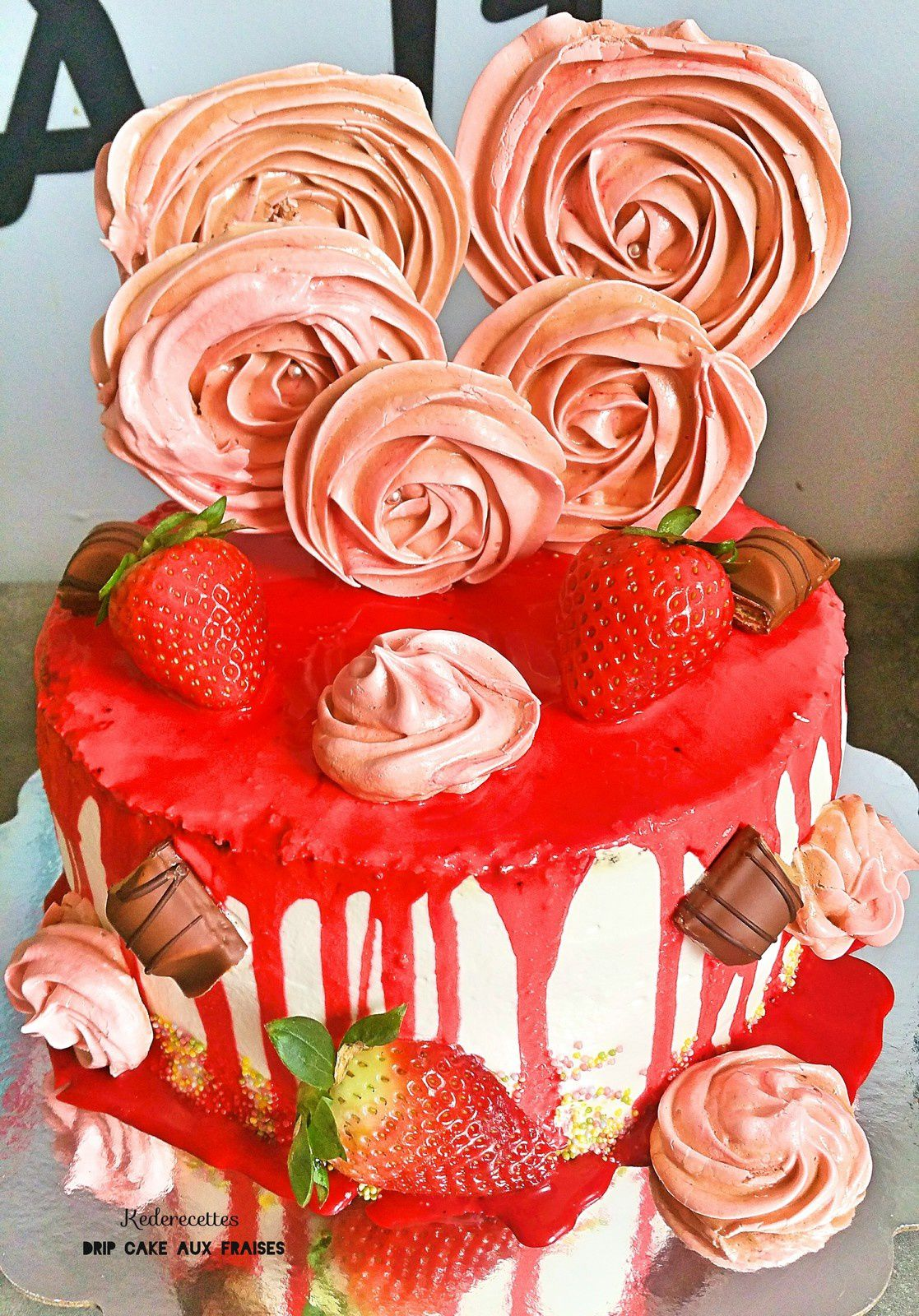 Drip Cake Girly aux fraises