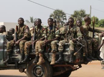Les autorités camerounaises font la chasse aux armes à la frontière