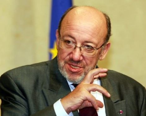 Louis Michel : «la suspension de la Centrafrique de l'OIF est plutôt une suspension douce» (RFI)