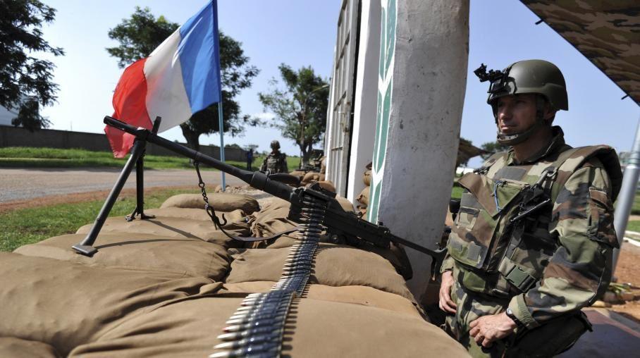Centrafrique: l'armée française lance son opération, psychose à Bangui