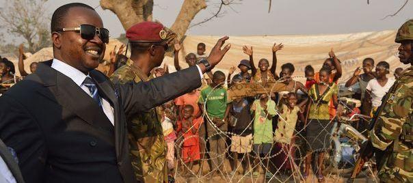 Bangui: retour des soldats en fuite, patrouilles renforcées contre les pillards