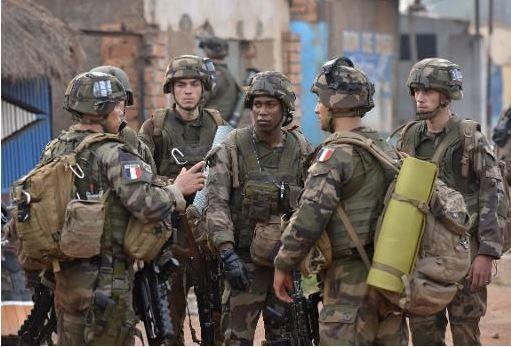 Centrafrique : Le dispositif francais s'étend avec les hussards parachutistes en pointe