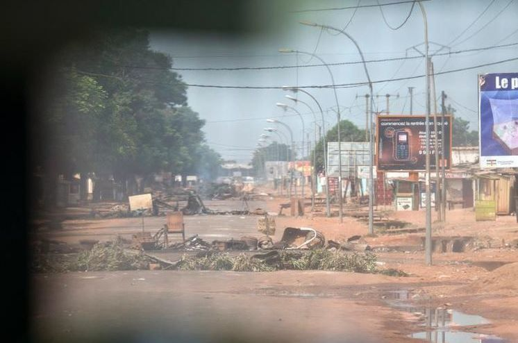 Centrafrique: barricades à Bangui contre les forces internationales