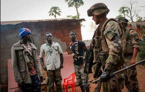 Lu pour vous : En Centrafrique, les militaires français confrontés à des «bandits»?
