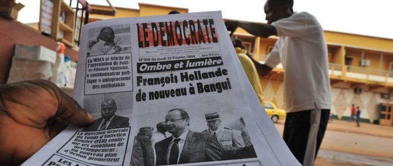 Centrafrique : Hollande à Bangui, capitale hantée par les pillards