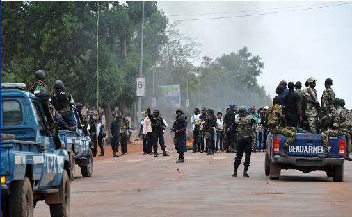 Lendemain de l'attaque meurtrière d'une église, Bangui paralysée