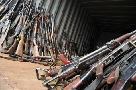 Les anti-balaka &quot&#x3B;déposent&quot&#x3B; les armes