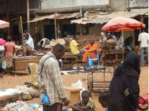 Bangui : La circulation tente de reprendre sur l'avenue Koudougou malgré les vols des motos