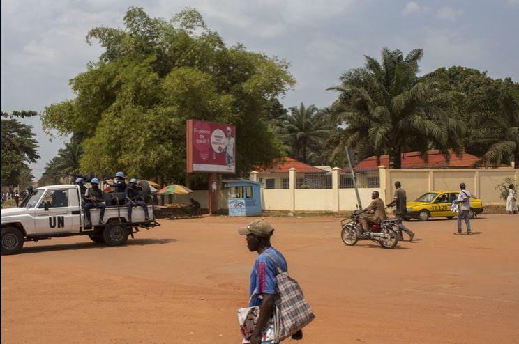 Lu et vu pour vous : Centrafrique : à Bangui, la vie reprend doucement