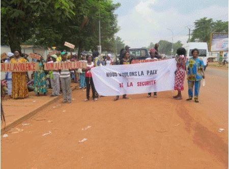Réhabilitation des FACA : seconde manifestation de leurs épouses