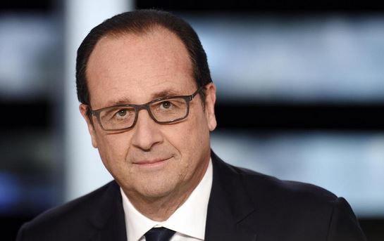 Burkina: Hollande appelle les forces impliquées dans le putsch à déposer immédiatement les armes