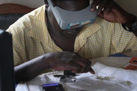 Centrafrique: le Processus de Kimberley garde à l'œil l'industrie du diamant