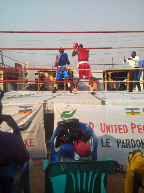 Bangui : Un gala de boxe pour la paix en pleine enclave musulmane du Km 5