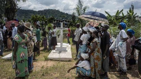Centrafrique : Une ONG humanitaire se préoccupe des cadavres enterrés à proximité des domiciles