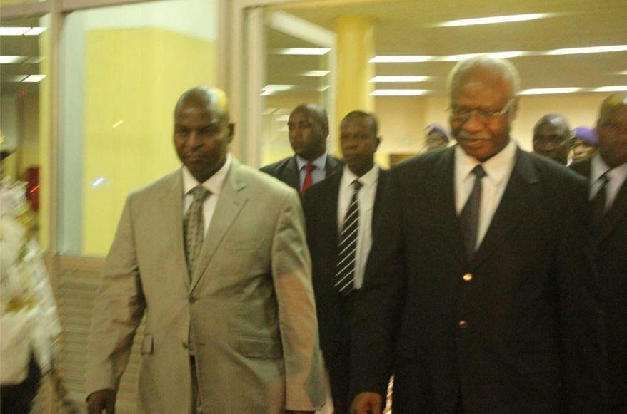 Le président élu centrafricain effectue une visite non officielle au Cameroun