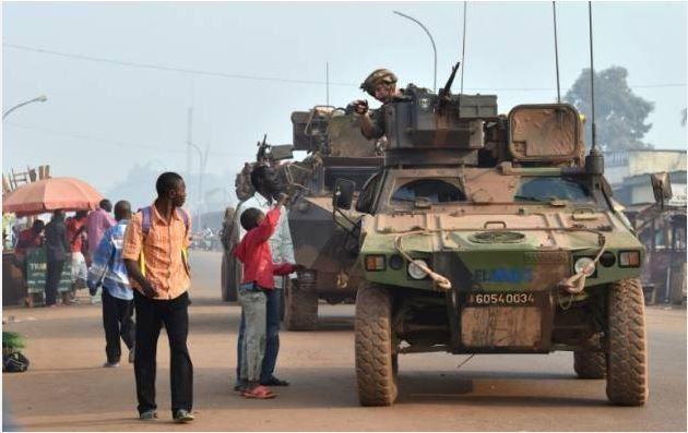La France mettra fin en 2016 à Sangaris, son opération militaire en Centrafrique