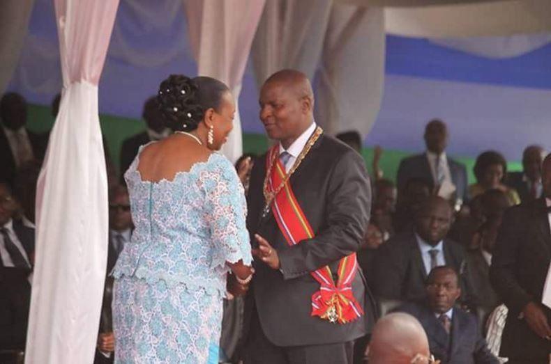 Centrafrique : Faustin Archange Touadera prête serment en Sango et en français