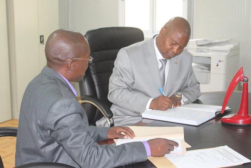 Le Président Touadera déclare son patrimoine à la Cour Constitutionnelle de Transition