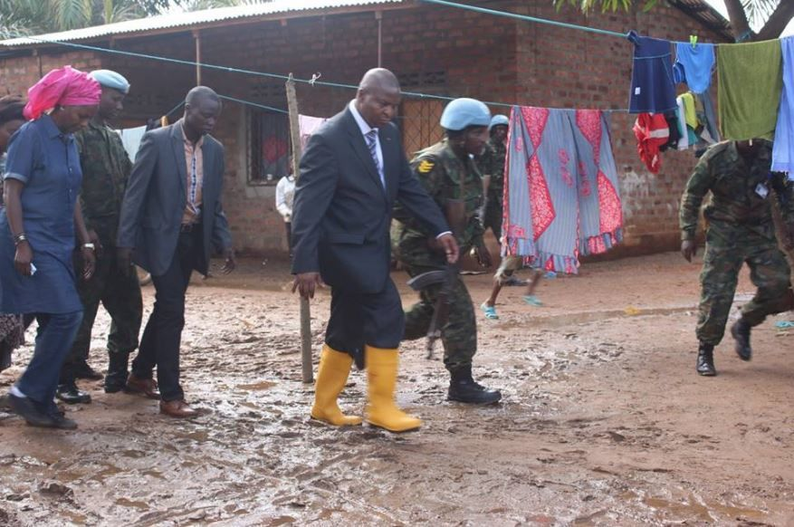 Le PR Touadéra rend visite aux sinistrés des inondations du 6ème ardt