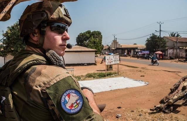 Centrafrique: violences mortelles à Bangui pendant la visite de Le Drian