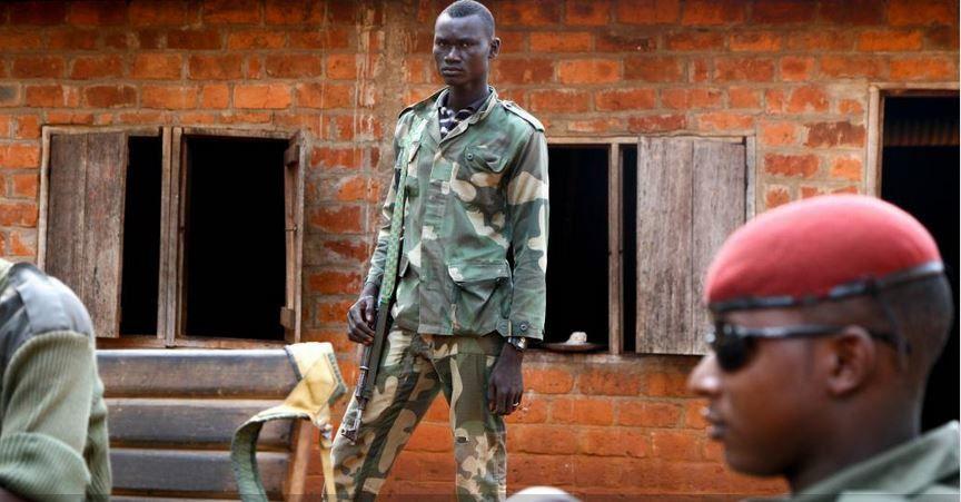 République centrafricaine : Des groupes armés occupent des écoles (HRW)