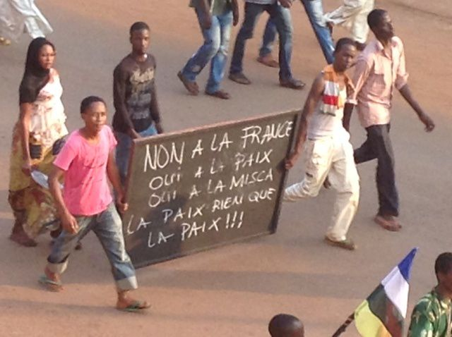 Centrafrique : incidents à Bangui, des manifestants bloquent la route près de l'aéroport