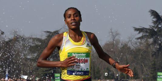"""L'éthiopienne Boru TADESE, première femme en 2h21'06"""""""
