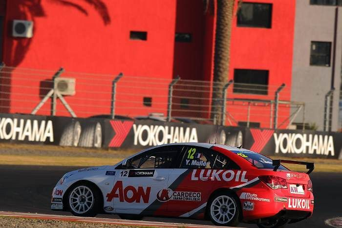Muller gagne la première facilement, dans la seconde, il est sanctionné, mais désormais son avenir passe par Citroën et il est en passe d'y arriver avec le #1 !