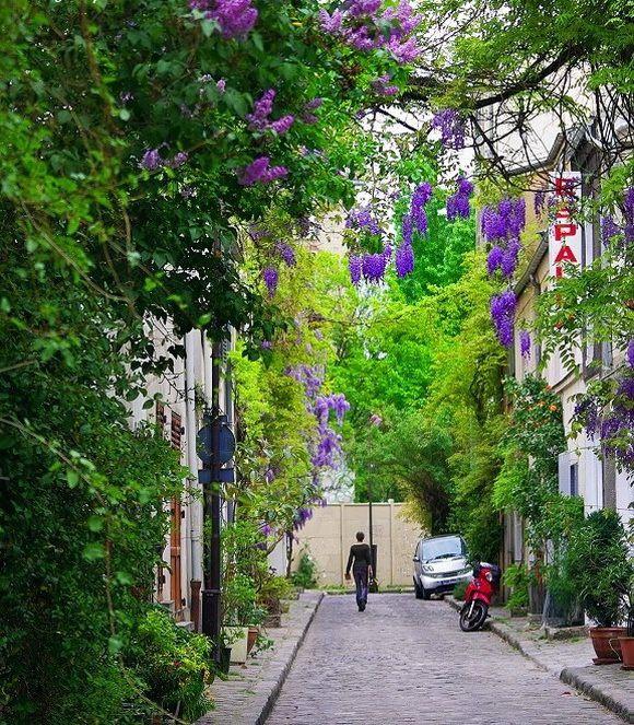 Rue des Thermopyles, à Paris, où résident de nombreux artistes