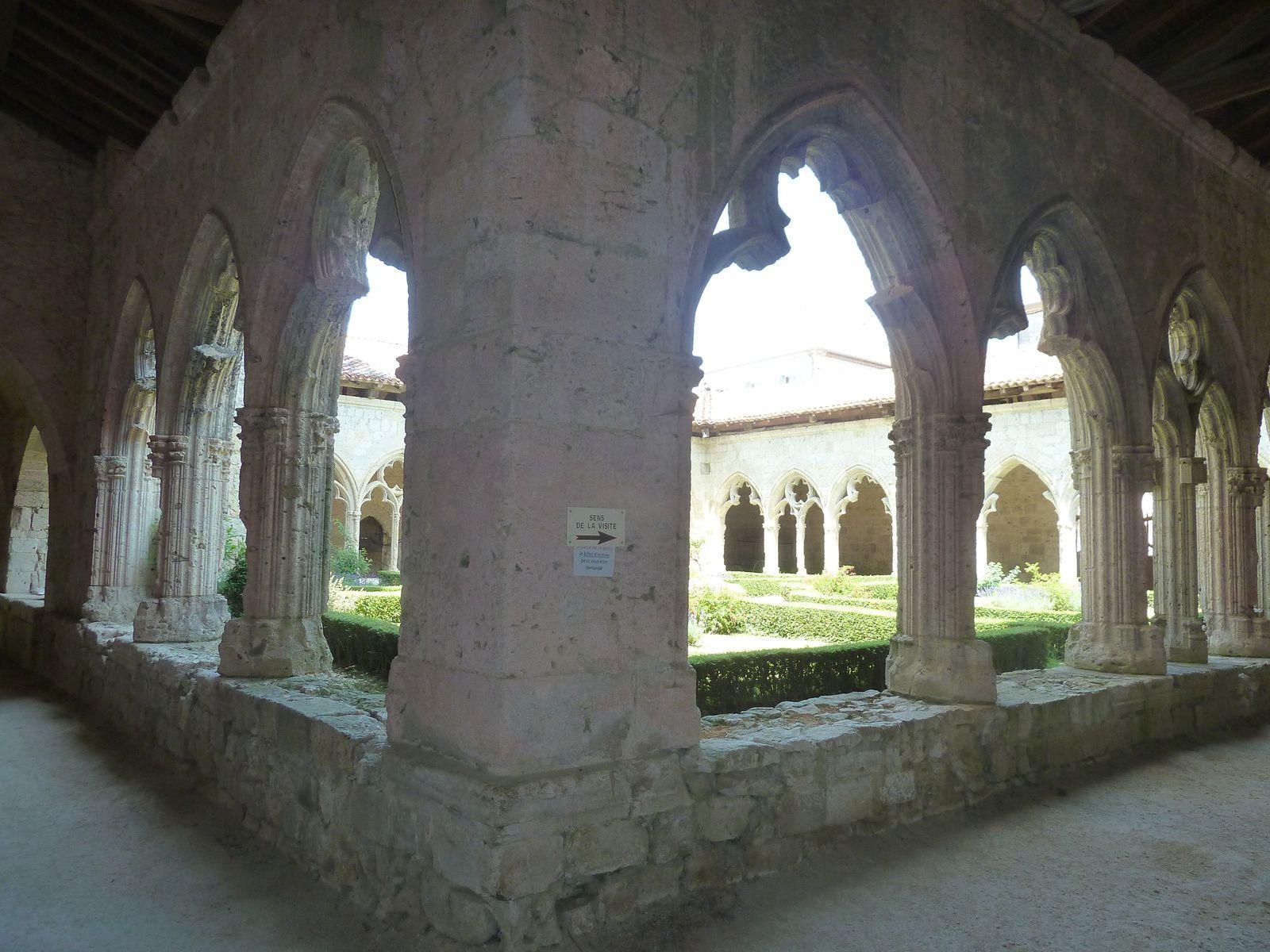 L'ensemble architectural de La Romieu - Gers en Gascogne